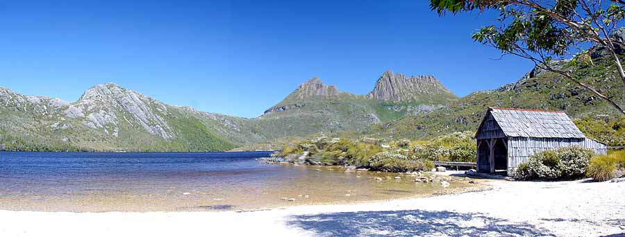 A view of Cradle Mountain from Dove Lake